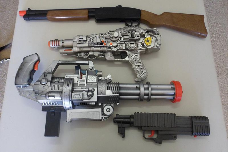 File:Doom Toy guns.jpg