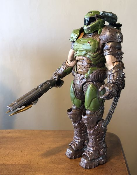 File:McFarlane Doom Slayer FrontQLeft.jpg